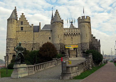 Стен — замок на берегу Шильды