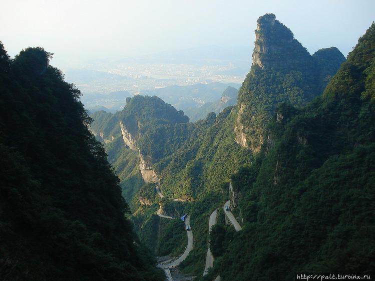 Вид на город Чжанцзяцзе и