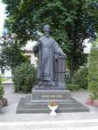 Памятник митрополиту Иосифу Слипому