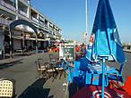 Нижняя центральная площадь у порта- бары,кафе, рестораны,детские карусели