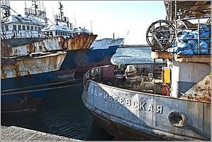 Вот это встреча. Надпись на кораблике о многом говорит. Одесса-матушка, видимо, имеет давние связи с Агадиром... *