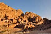 Сооружения Петры принадлежат различным эпохам и народам. Среди них были идумеи (XVIII—II века до н. э.), набатеи (II век до н. э. — 106 год н. э.), римляне (106—395 годы н. э.), византийцы и арабы. Даже крестоносцы владели этим городом в XII веке н. э. Каждый из народов оставил здесь свой след.