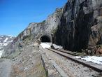 Заброшенный туннель. Любопытно, как же в нем, в эпоху паровозов, решалась проблема с вентиляцией?