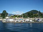 Озеро имеет три острова — изола Мадре, изола Пескатори,но о них можно и нужно говорить отдельно..