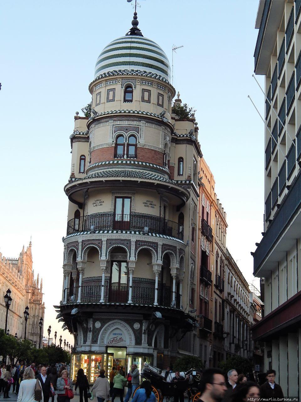 Edificio del Adriatica, 1