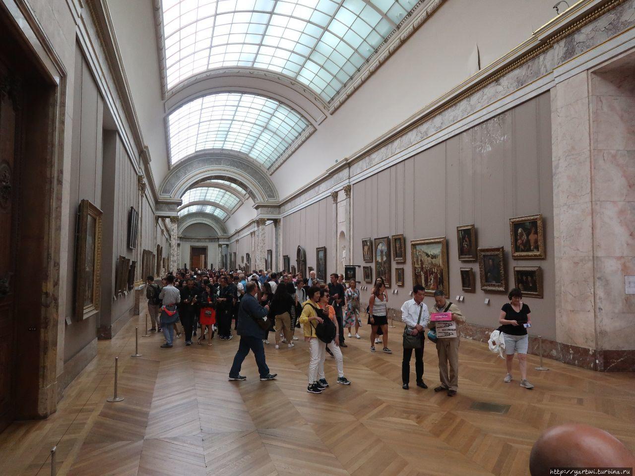 Общая панорама зала италь