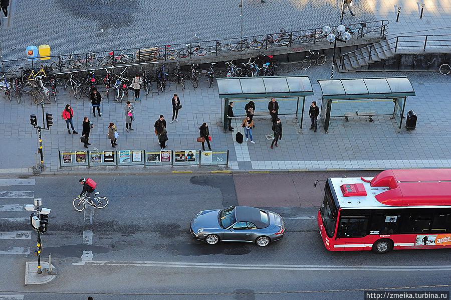 Ну и некоторые виды транспорта внизу :)