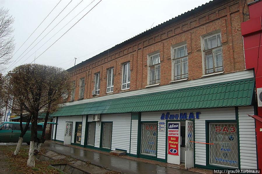 Ул. Ж.Молдагалиева, 27. Бывший дом и магазин купца Стулова
