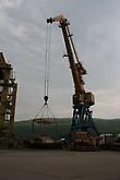 Спуск одного из кочей в порту Осетрово на воду