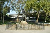 Статуя Ponny Express.