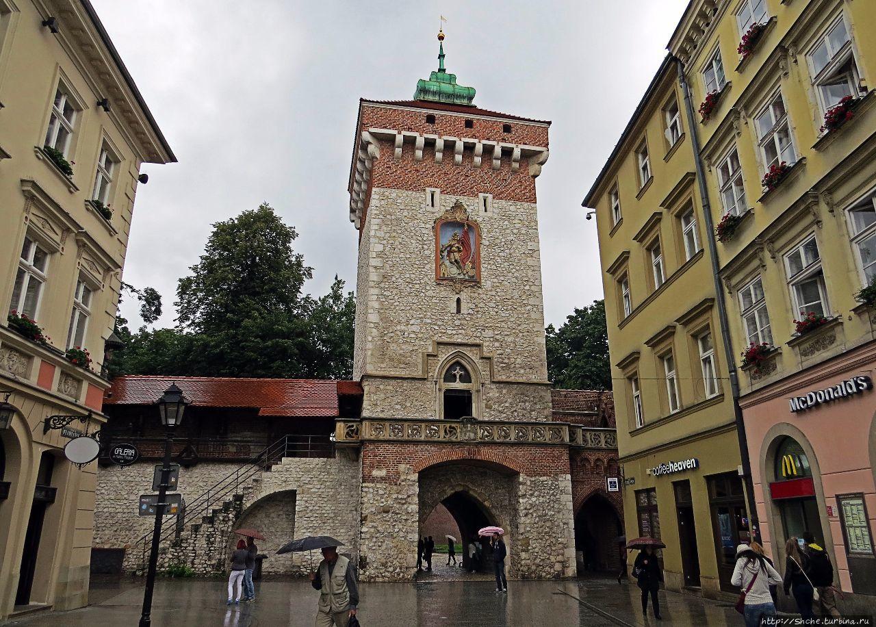 Торжественные и монументальные — Флорианские ворота Кракова