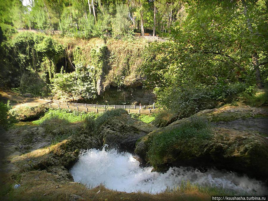 Прохлада водопадов Дюдена Анталия, Турция