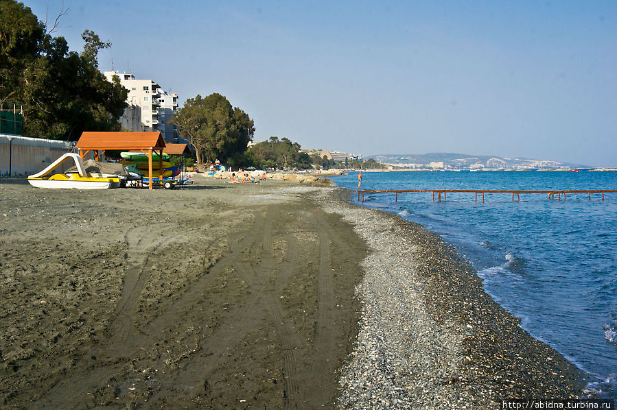 Серые пляжи Лимассола