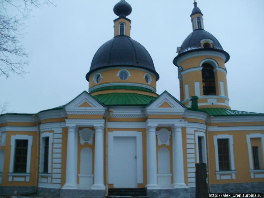 Отреставрированная церковь Святой Троицы, архитектор А. В. Квасов.