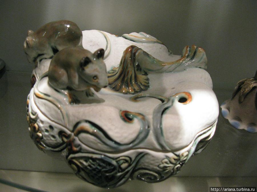 Ваза-тыква и мыши