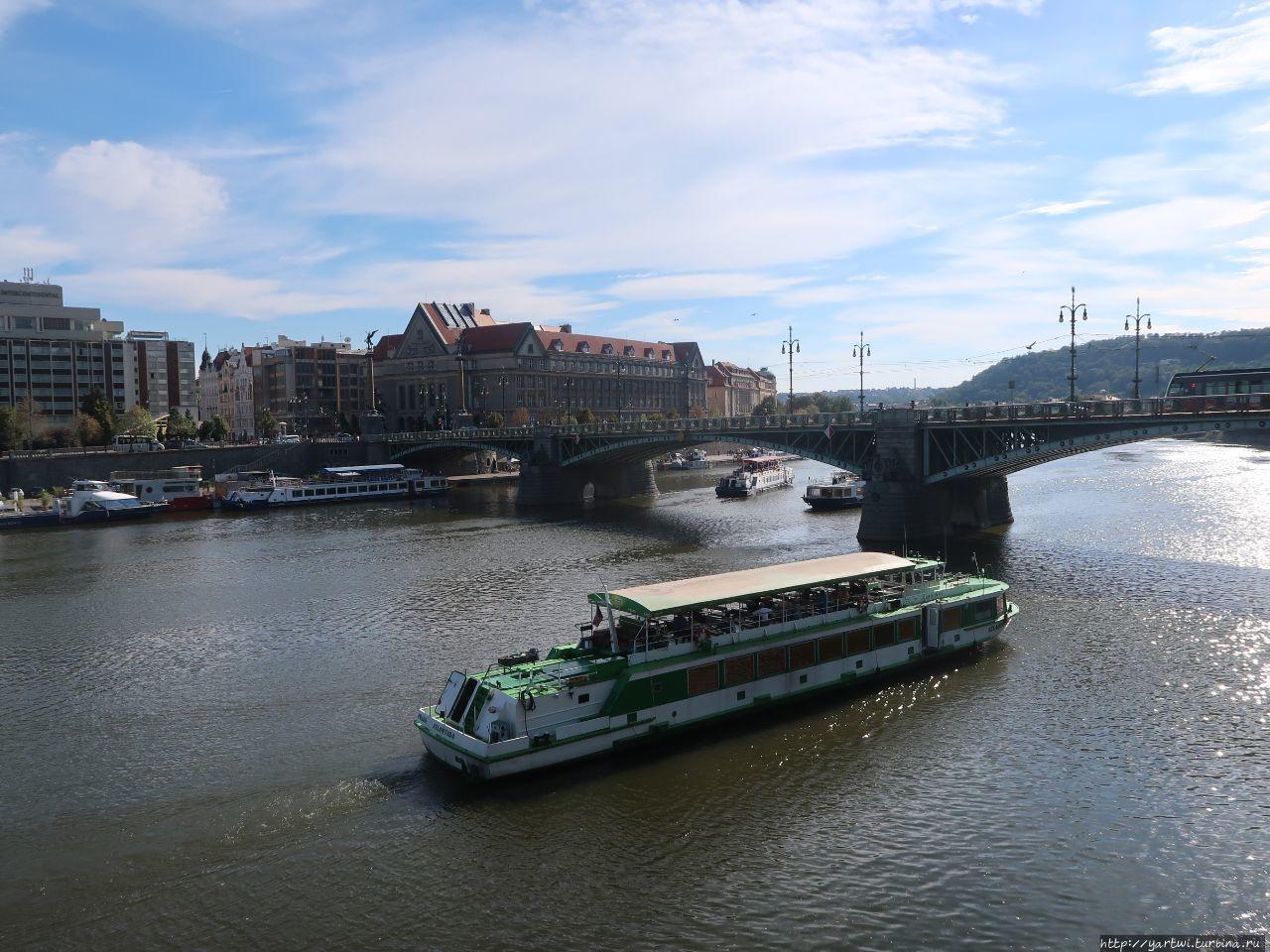 Чехув мост — вид с набере