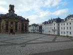 площадь Людвигсплатц   перед церковью Людвигскирхе