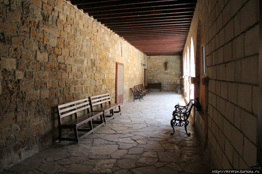 Монастырь святого Николая Акротири, Акротири и Декелия