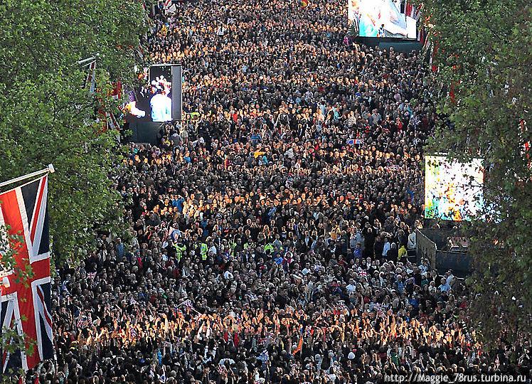 улица Мэлл в день проведения концерта в честь бриллиантового юбилея Елизаветы II