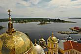 Главный купол Богоявленского собора и оз. Селигер.