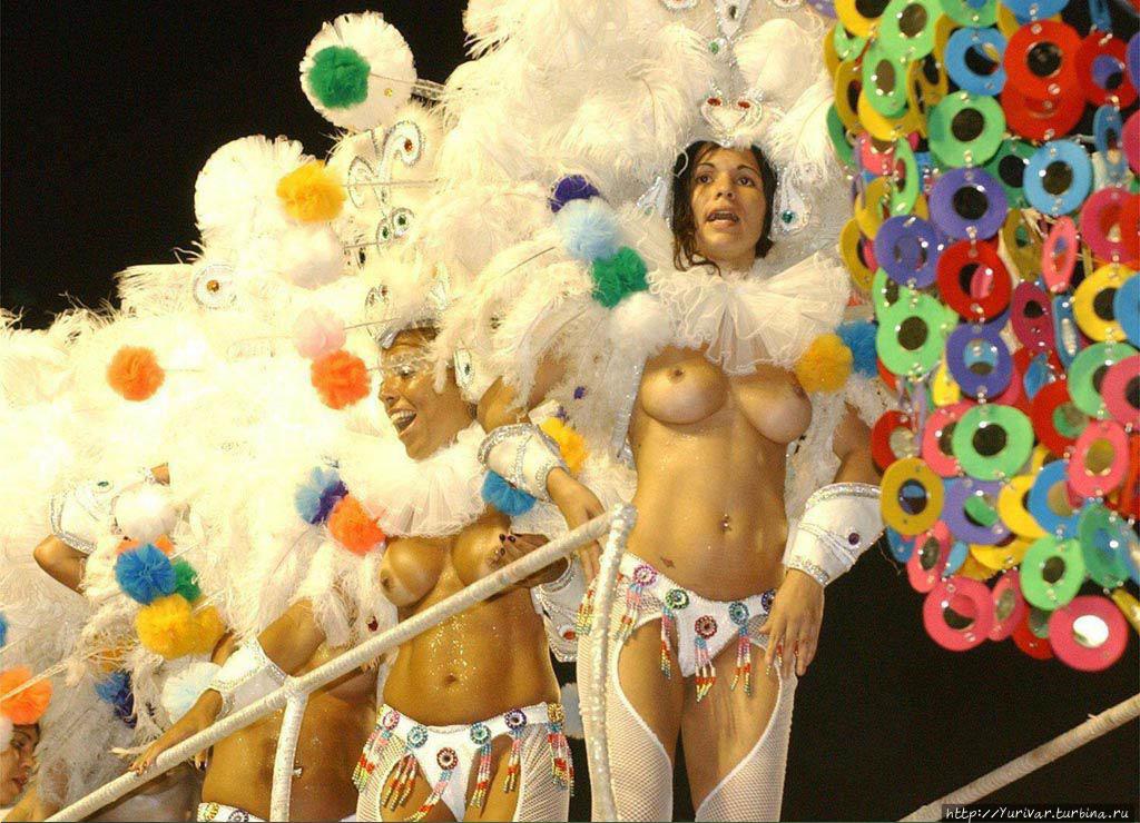 Обнаженные на карнавале в рио
