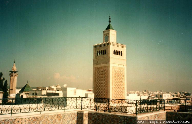 На террасе мечети Аль Зай
