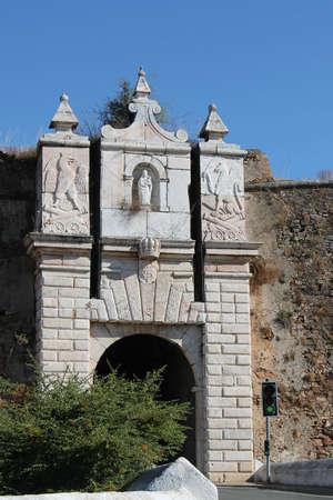 Ворота Porta da Muralha