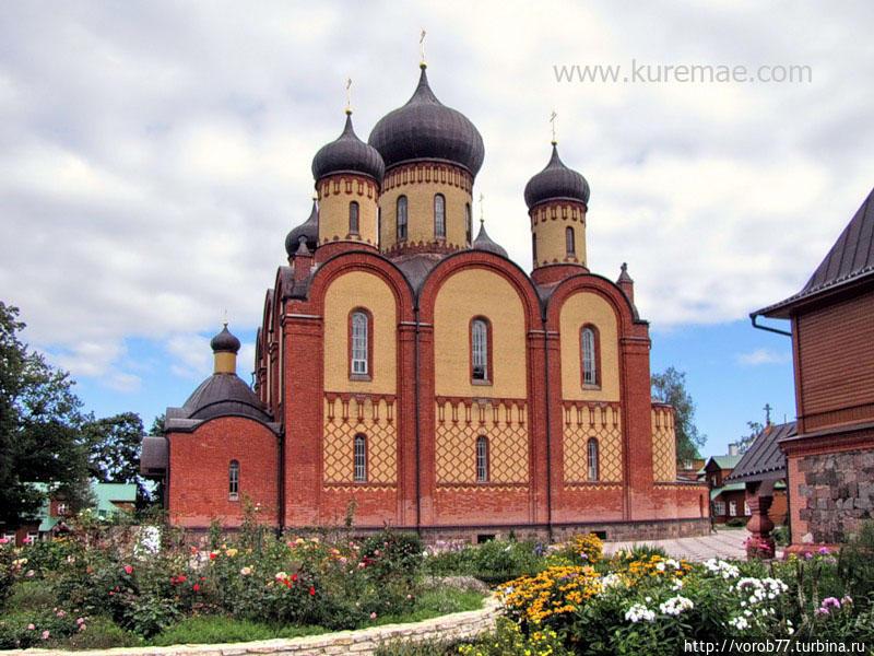 Пюхтицкий Успенский женский монастырь (ставропигиальный монастырь Эстонской православной церкви Московского Патриархата) или