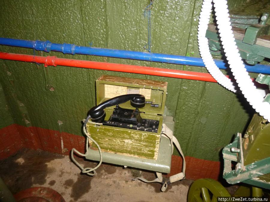 Телефон для связи с командованием оборонительного рубежа