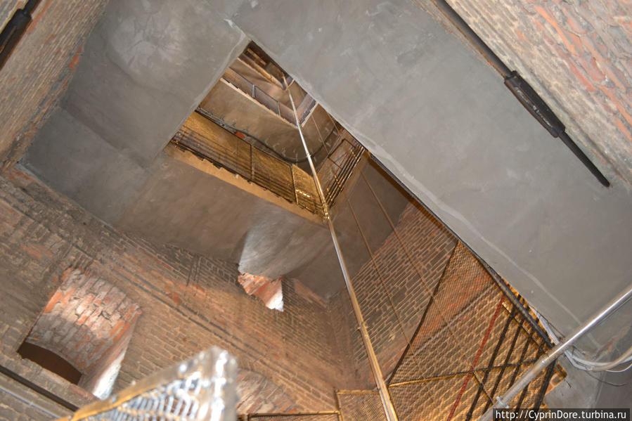 винтовая лестница на смотровую площадку