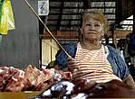 Филиппинские свиноводы сталкиваются с  огромной конкуренцией извне. Дело в том, что на Филиппины контрабандным путем попадает огромное количество свинины и её субпродуктов из-за рубежа по сниженным ценам. Это привело к тому, что тысячи  местных свиноводов закрыли свой бизнес...
