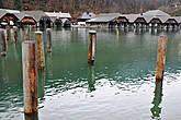 Самое глубокое в Германии (около 190 м) Озеро находится на территории общины Шёнау-ам-Кёнигсзее, включено в Национальный парк Берхтесгаден. В Кёнигсзее впадают воды расположенного на юго-востоке озера Оберзее.