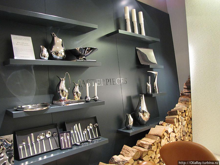 Смежный магазин предметов интерьера.