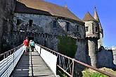 Мостик с противоположной стороны замка