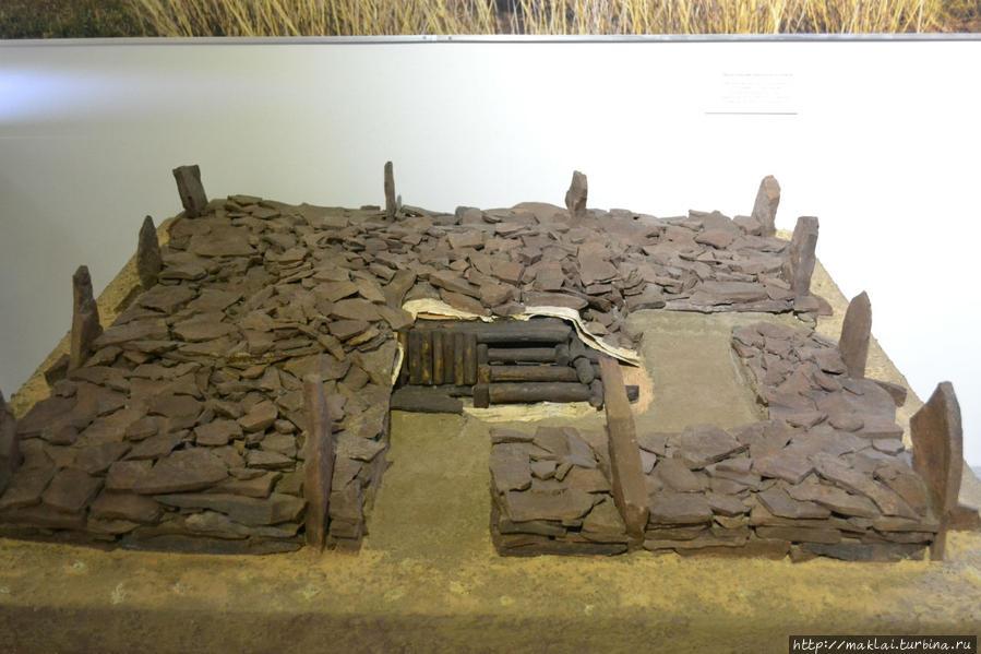 Макет древнего кургана