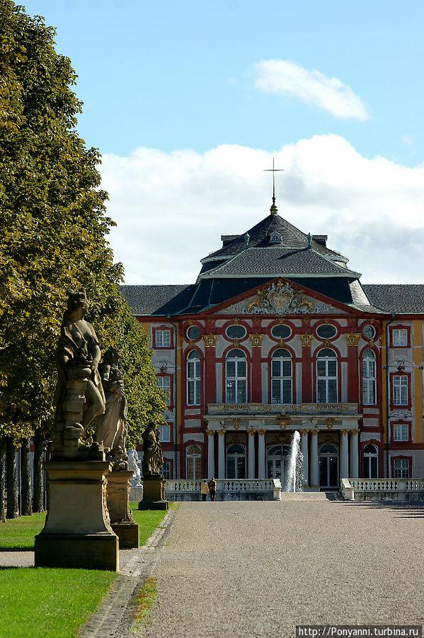 Главная аллея Брухзаль, Германия