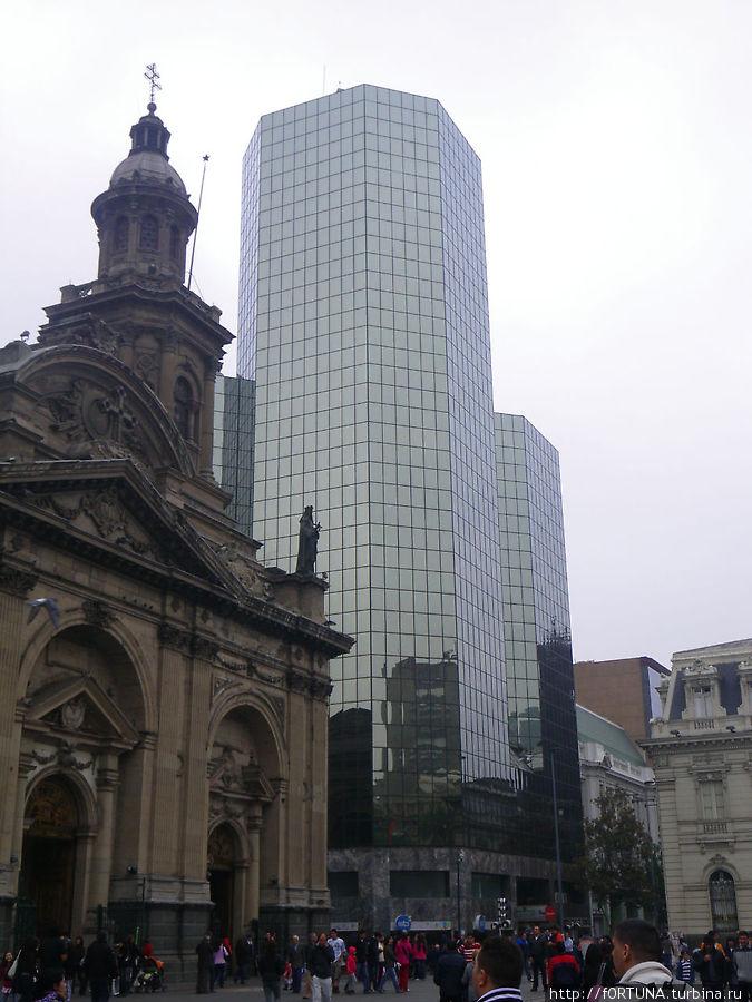 Старый собор и высотка