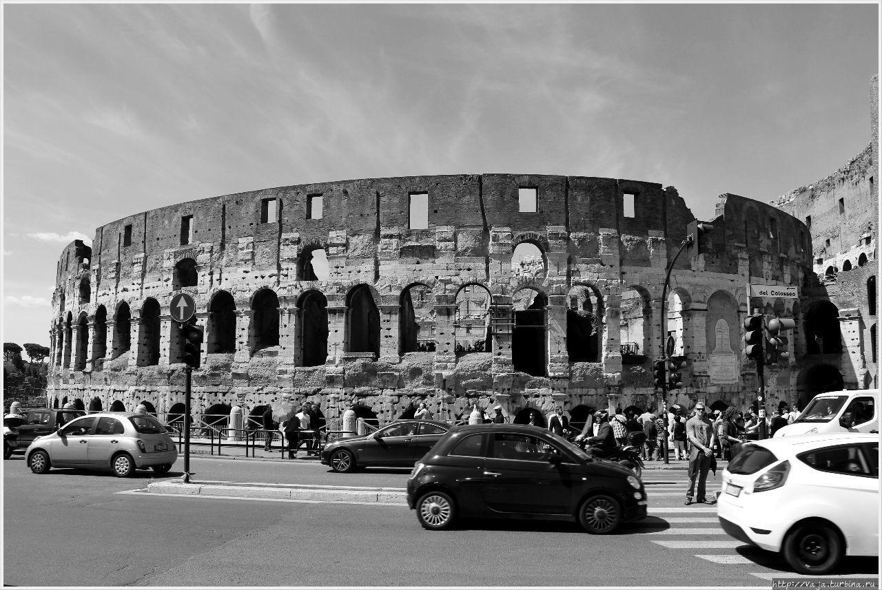 Амфитеатр Флавиев. Колизей Рим, Италия