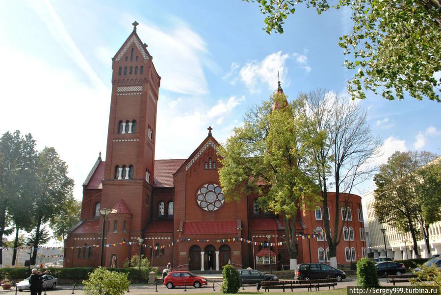 Костел св.Симеона и св.Елены (Красный костел). 1910г. Во время войны не разрушался.