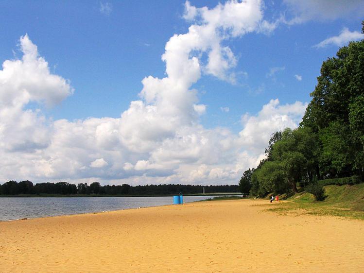 На берегу озера Тамула
