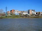 Вид на поселок со стороны Комсомольского пруда.