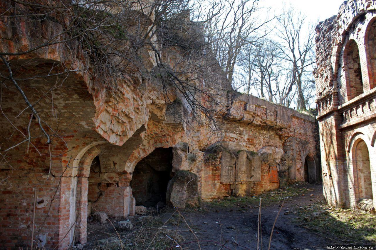 Таракановский форт Тараканов, Украина