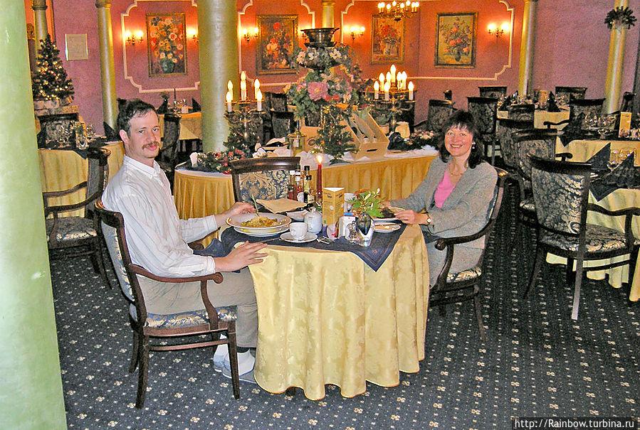 В ресторане очень романтично