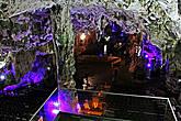 первый зал называется Кафедральный, здесь иногда проводят концерты и др. представления...