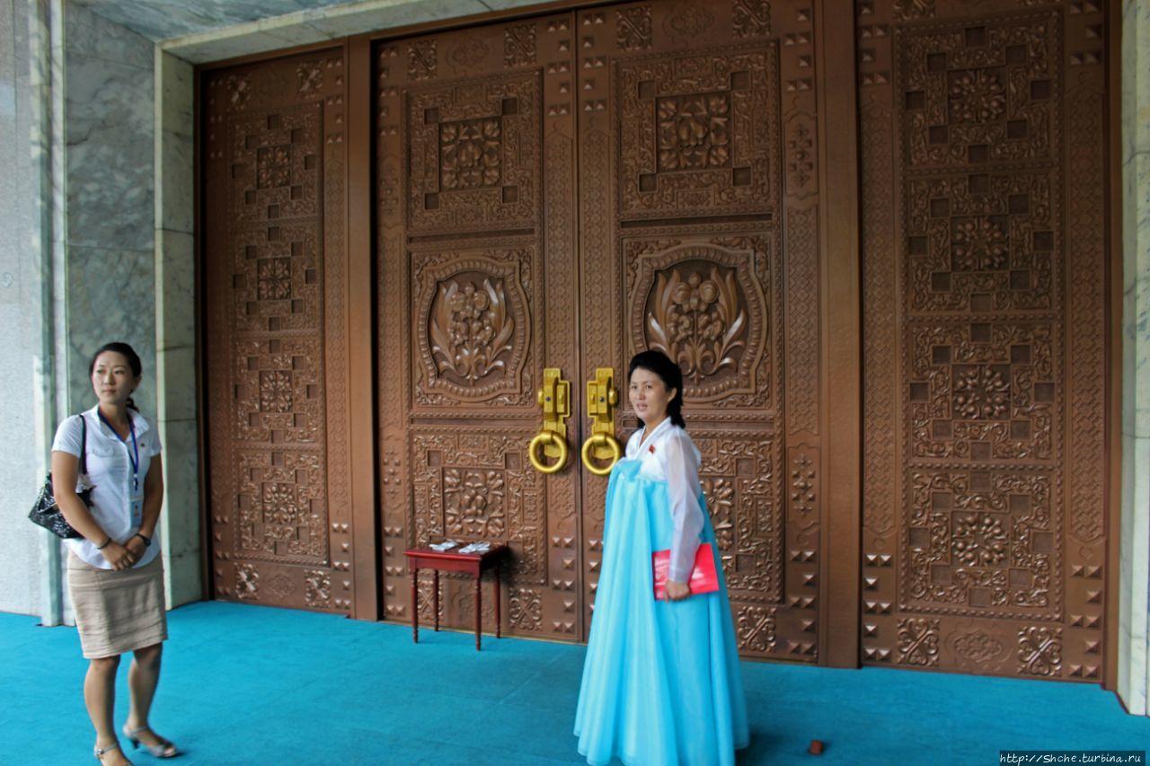 Выставка Международной Дружбы (Музей подарков) Хянсан, КНДР