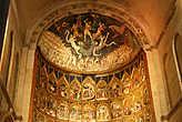 Фреска над главным алтарём — Страшный суд, создана Николасом Флорентино в 1445г.