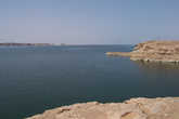 Берег озера Насера