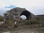 Начало руин Эфеса.  К сожалению, дальше  не снимала, разрядился фотоаппарат . Как потом выяснилось — сожалеть было о чем!