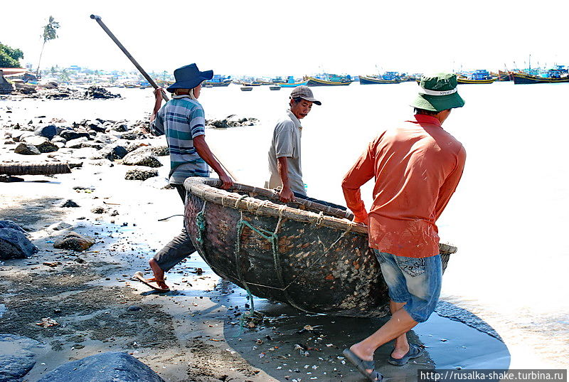 Лодки-корзины —  символ Вьетнама Муй-Не, Вьетнам