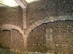 Часовня Святого Франциска в Эворе выложена человеческими костями.